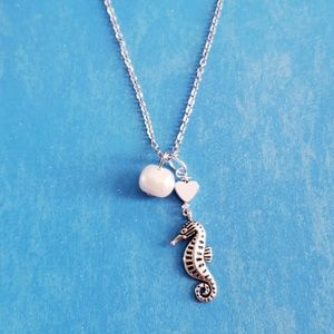 Jewelry - GENUINE pearl tiny seahorse silver necklace